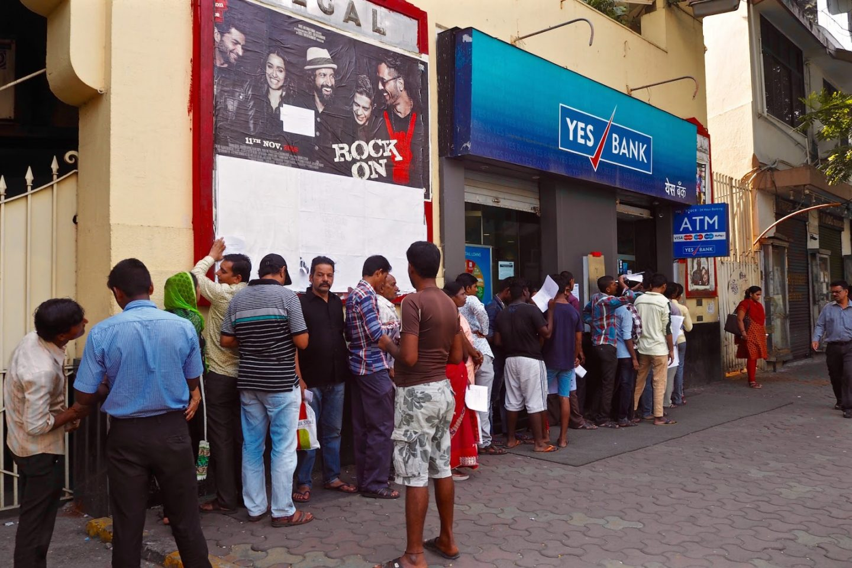 Mumbai ATM queues Indian demonetiastion