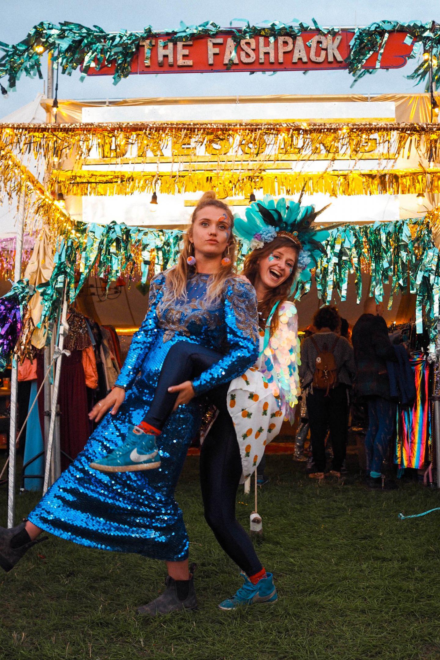 Festival vintage sequins outfit inspo